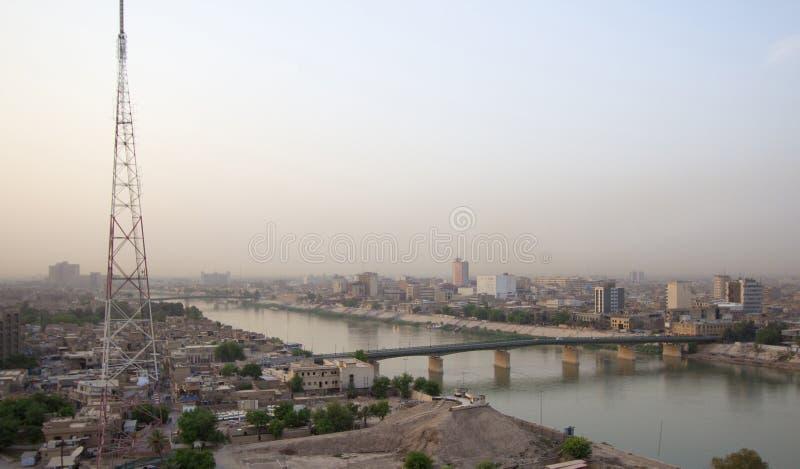 Baghdad på natten royaltyfria foton