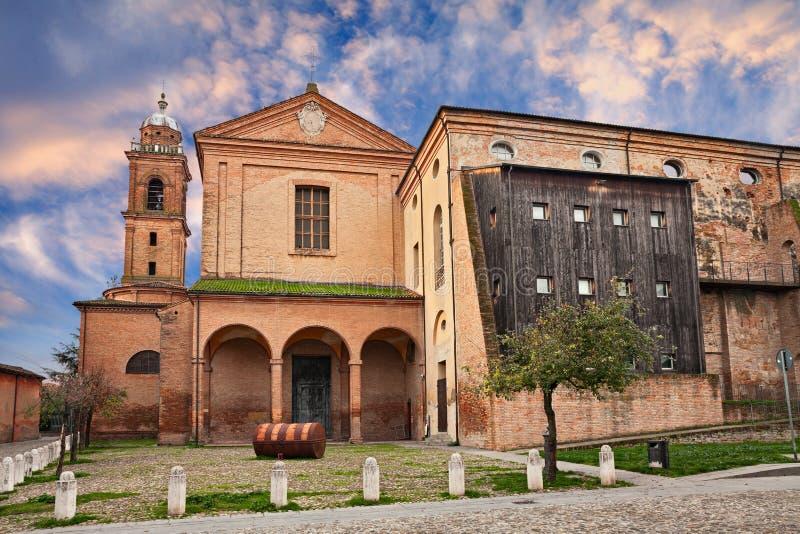Bagnacavallo, Ravenna, Emilia-Romagna, Itália: a igreja antiga imagens de stock royalty free