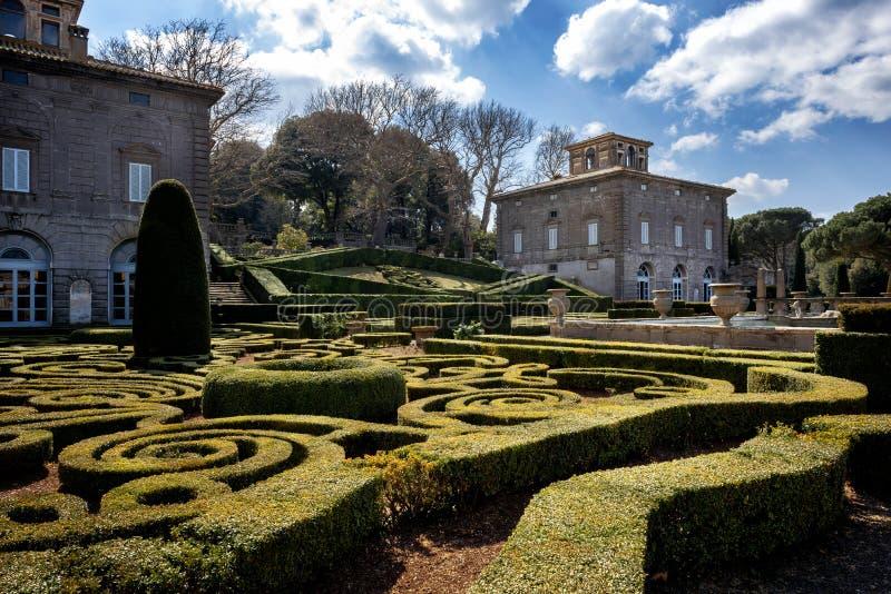Bagnaia: A casa de campo Lante em Bagnaia é um jardim do Mannerist da surpresa, perto de Viterbo, Itália fotos de stock