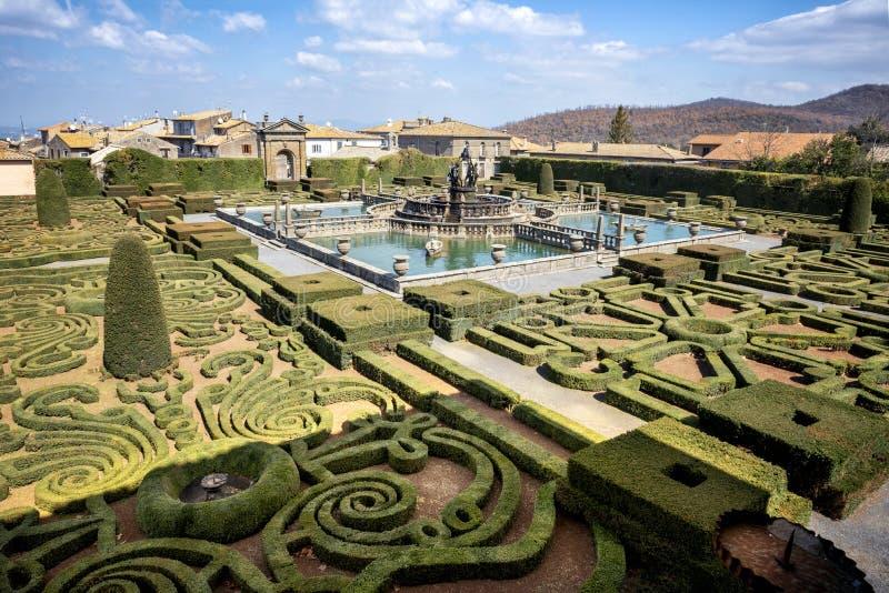 Bagnaia: A casa de campo Lante em Bagnaia é um jardim do Mannerist da surpresa, perto de Viterbo, Itália foto de stock