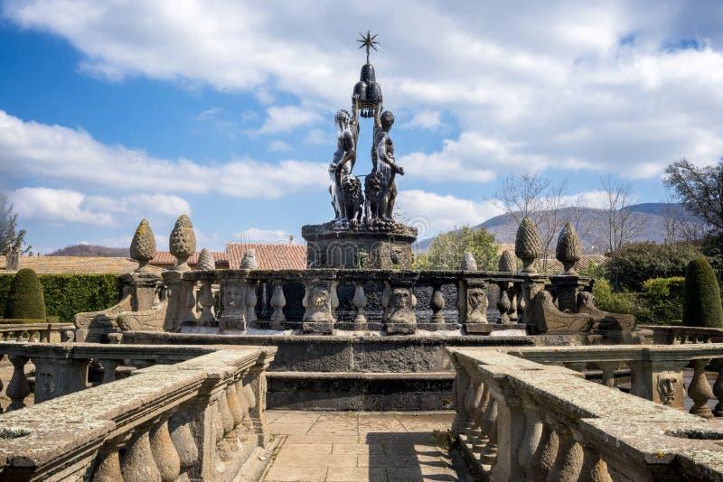 Bagnaia: A casa de campo Lante em Bagnaia é um jardim do Mannerist da surpresa, perto de Viterbo, Itália fotografia de stock royalty free