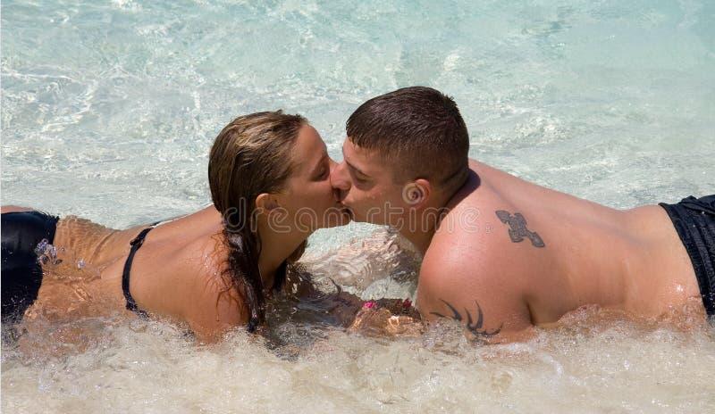 Bagni il bacio fotografie stock libere da diritti