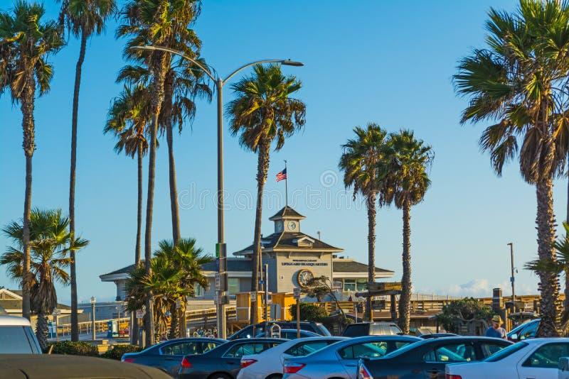 Bagnino Headquarter in spiaggia di Newport immagini stock