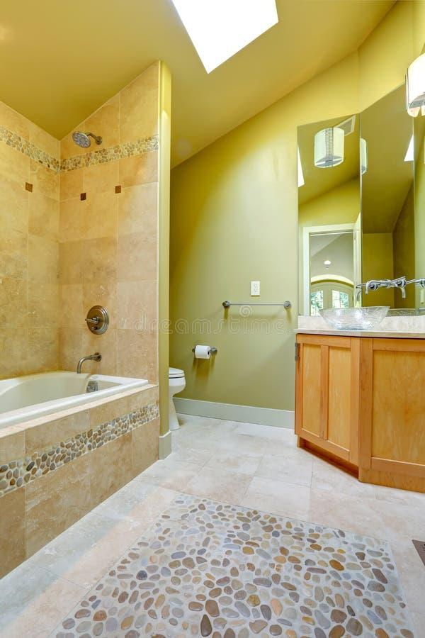 Bagno con la disposizione della pietra e delle mattonelle fotografia stock immagine 39826174 - Mattonelle bagno roma ...