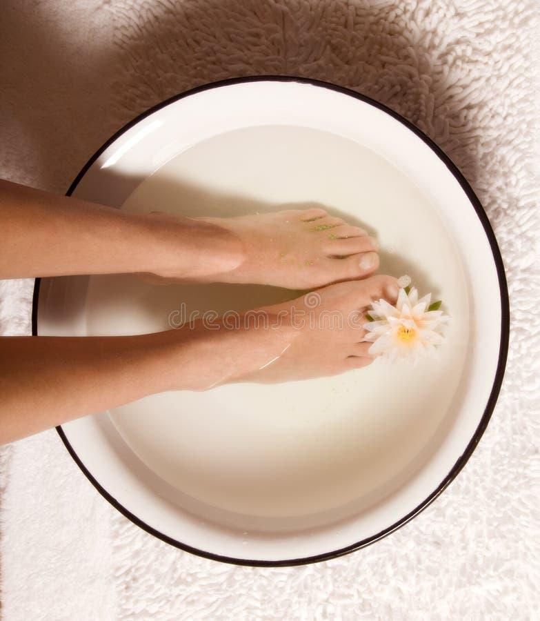 Bagno del piede immagine stock