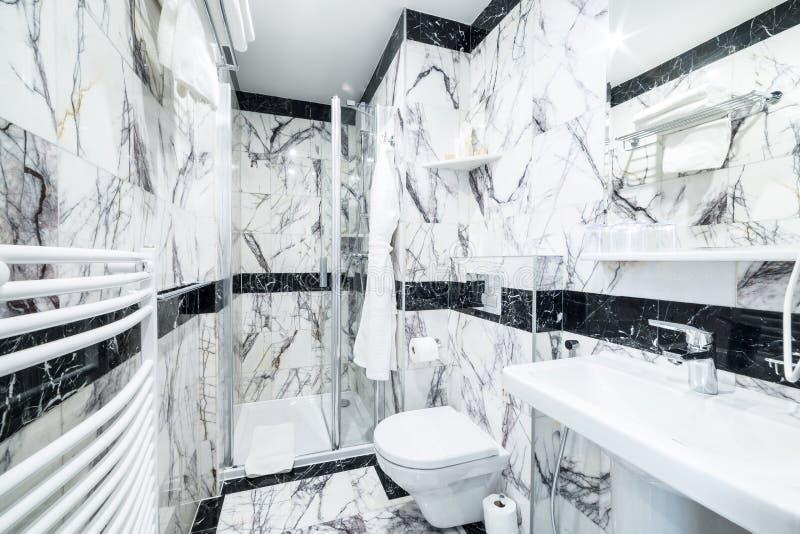 Bagni In Marmo Nero : Bagni in marmo bianco. gallery of pavimenti e bagni in marmo bianco