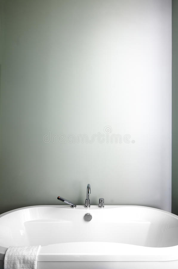 Bagno moderno facendo uso dei colori pastelli verdi morbidi fotografia stock