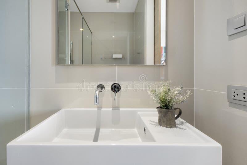Bagno nel mio condominio fotografia stock libera da diritti