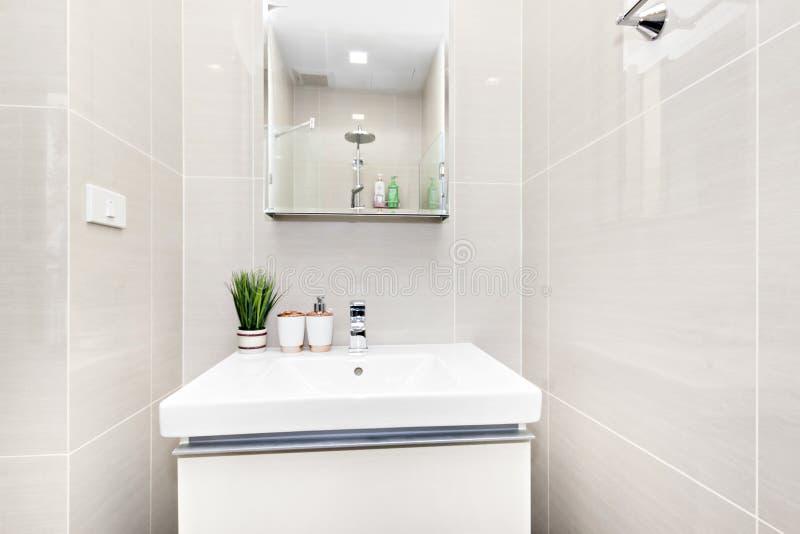 Bagno nel mio condominio immagine stock