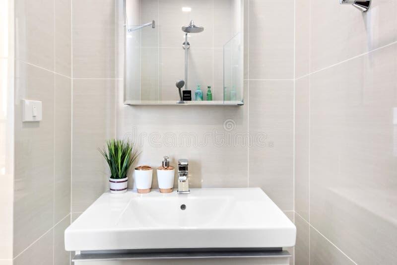 Bagno nel mio condominio fotografia stock