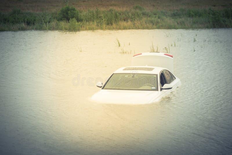 Bagno samochodowa powódź obrazy stock