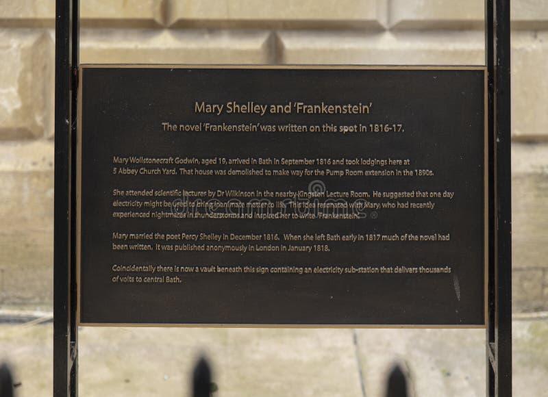 Bagno, Somerset, Regno Unito, il 22 febbraio 2019, placca commemorativa per collocare dove Mary Shelley ha scritto Frankenstein fotografia stock libera da diritti