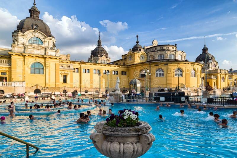 Bagno Termico Di Szechenyi A Budapest, Ungheria Immagine Editoriale ...
