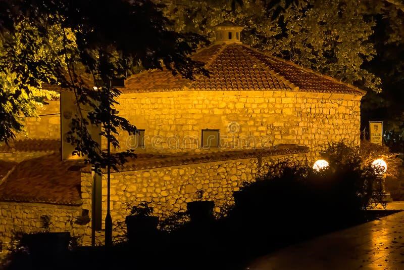 Bagno turco vecchio, sokobanja, Serbia - colpo di notte fotografia stock libera da diritti