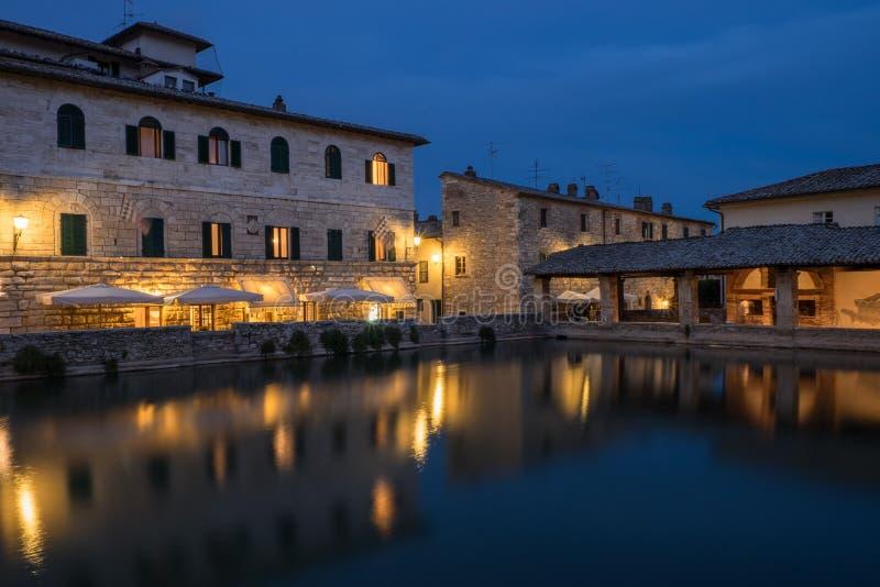 Bagno vignoni redaktionell arkivfoto bild av turism 89585403 - Bagno vignoni b b ...