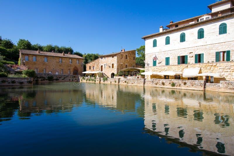 https://thumbs.dreamstime.com/b/bagno-vignoni-spa-tuscany-crete-senesi-italy-55109025.jpg