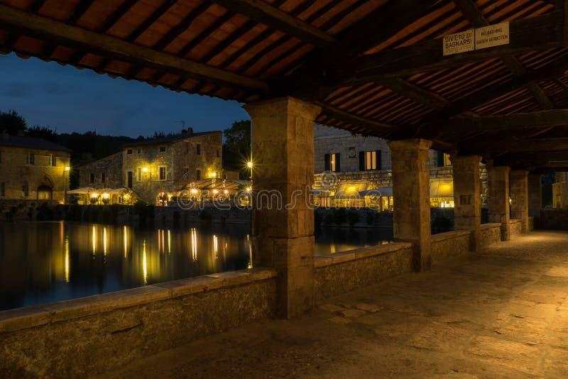 https://thumbs.dreamstime.com/b/bagno-vignoni-spa-wellness-heart-tuscany-91375928.jpg