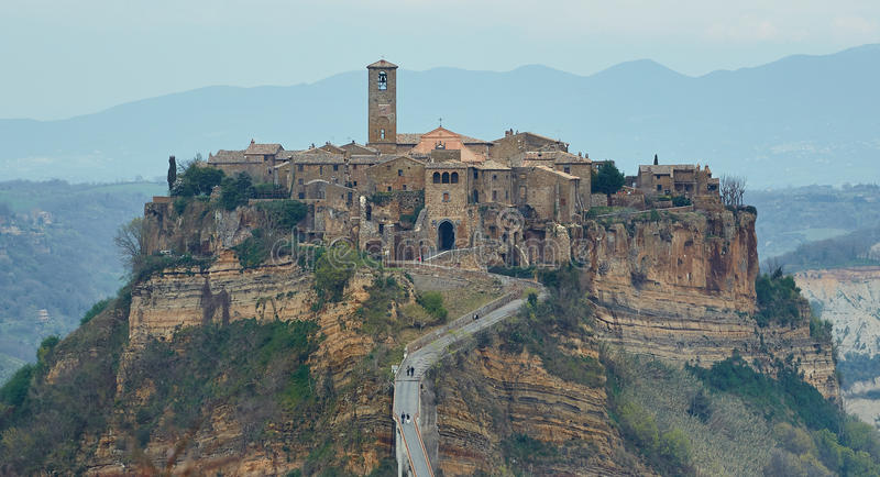 Bagnoregio el pueblo fantasma cerca de Roma imagen de archivo