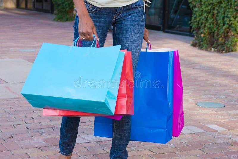 bags bärande shopping royaltyfri fotografi