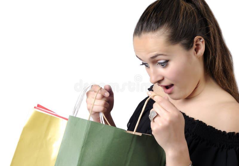 bags den härliga shoppingtonåringen royaltyfri bild