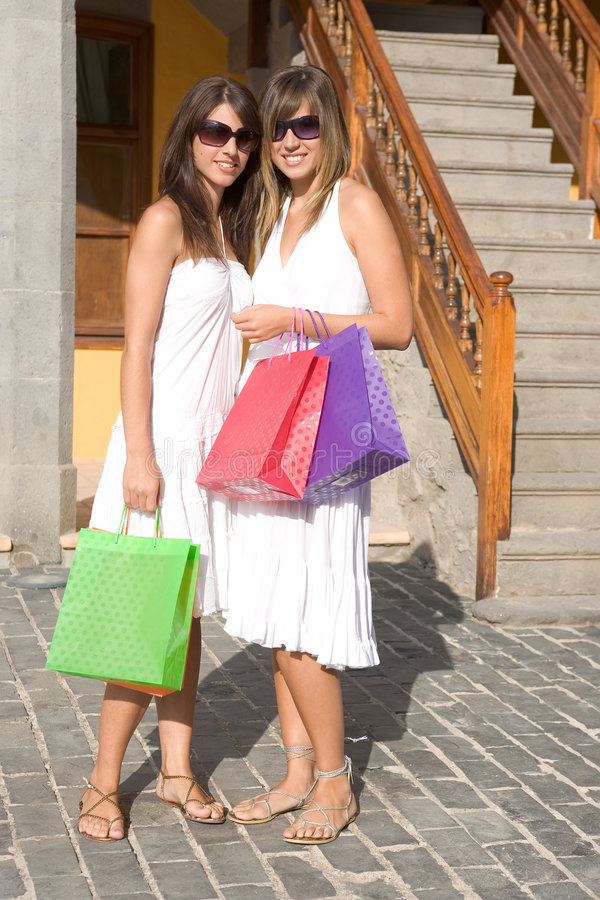 bags härligt shoppa för flickor arkivfoto