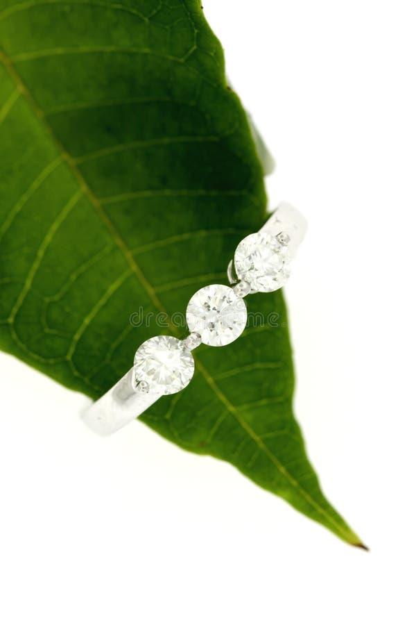 Bague de fiançailles de diamant image stock