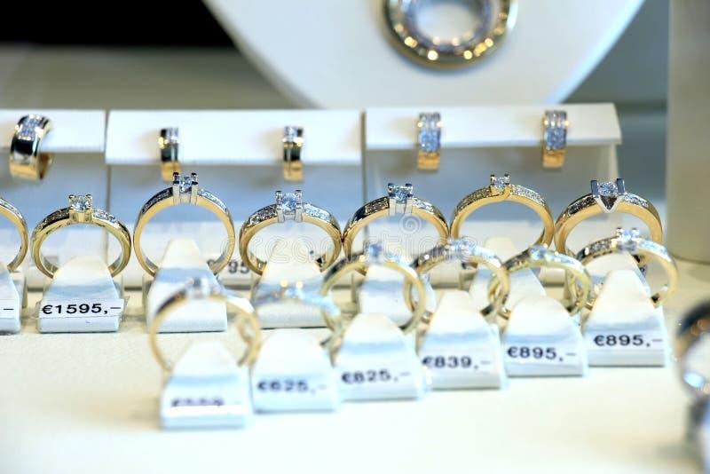 Bagues de fiançailles de diamant photos libres de droits