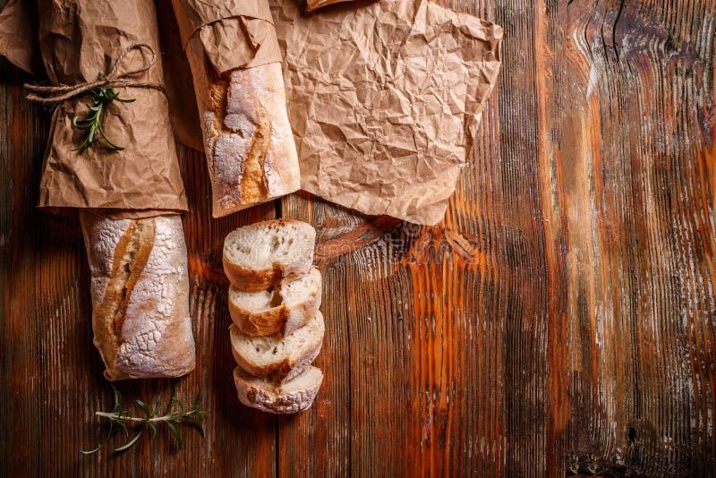 Baguettes franceses recientemente cocidos imagen de archivo