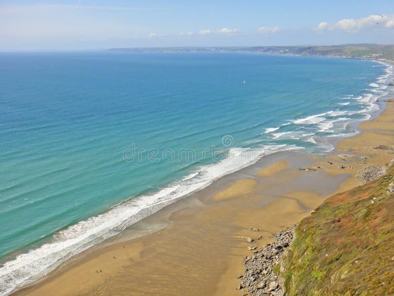 Bahía de arena blanca, Cornwall fotografía de archivo libre de regalías