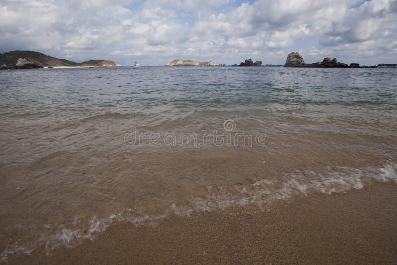 Bahía de Huatulco foto de archivo libre de regalías