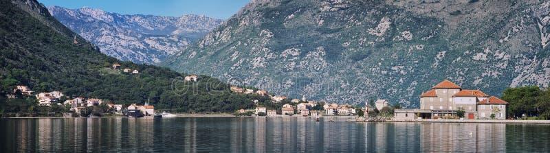 Bahía de Kotor en Montenegro imagenes de archivo