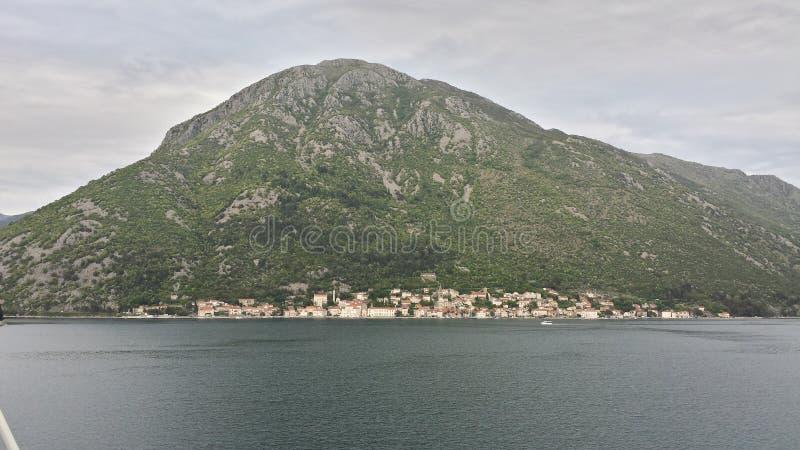 Bahía de Kotor, Montenegro fotos de archivo