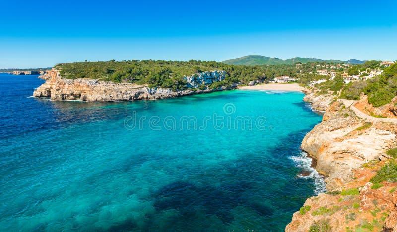 Bahía de la playa de España Majorca de Cala Romantica, Balearic Island imagen de archivo libre de regalías