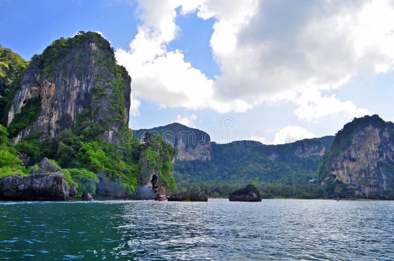 Bahía de Tonsai entre Ao Nang y Railay fotografía de archivo libre de regalías