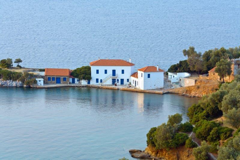 Bahía de Zasteni en Pelion en Grecia imagenes de archivo