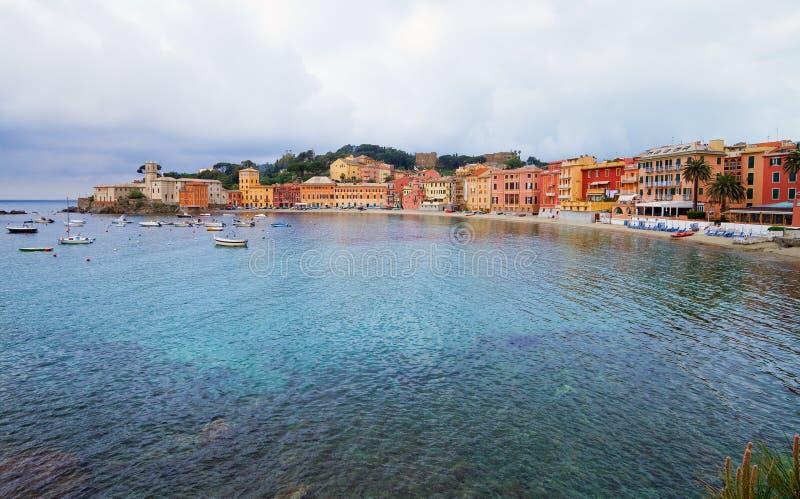 Bahía del silencio, centro turístico de verano italiano. fotografía de archivo libre de regalías