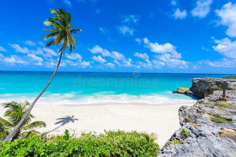 Bahía inferior - playa del paraíso en la isla caribeña de Barbados fotografía de archivo libre de regalías