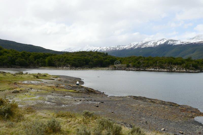 Bahía Lapataia en el parque nacional de Tierra del Fuego fotos de archivo libres de regalías