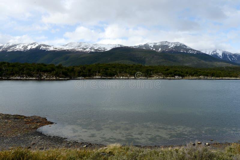 Bahía Lapataia en el parque nacional de Tierra del Fuego foto de archivo libre de regalías