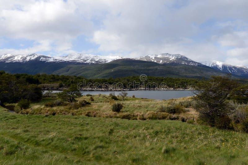 Bahía Lapataia en el parque nacional de Tierra del Fuego imágenes de archivo libres de regalías