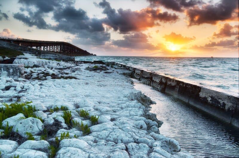 Bahía vieja Honda Railroad el puente en la salida del sol imágenes de archivo libres de regalías