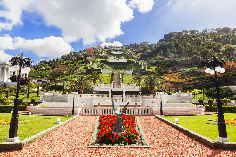 Bahai trädgårdar och tempel på lutningarna av Carmel Mountain, Haifa fotografering för bildbyråer