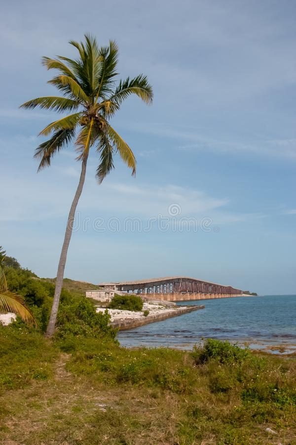 Bahia Honda Rail Bridge idosa na chave grande do pinho foto de stock royalty free