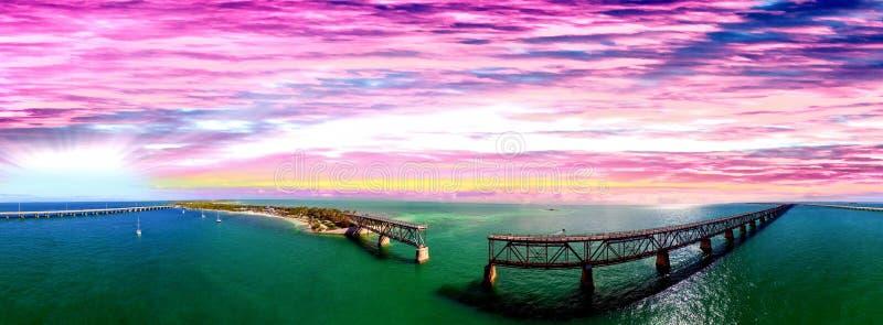 Bahia Honda stanu park przy zmierzchem, Floryda Piękny widok z lotu ptaka zdjęcie royalty free