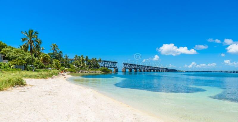 Bahia Honda State Park - den Calusa stranden, Florida stämmer - tropisk kust med paradisstränder - USA arkivbilder