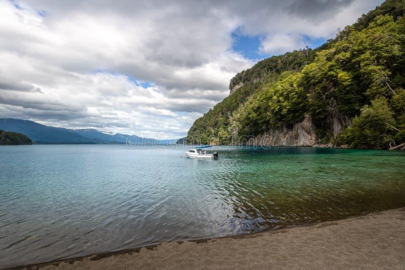 Bahia Mansa Bay chez Nahuel Huapi Lake - angustura de La de villa, Patagonia, Argentine photo stock