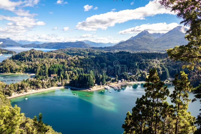 Bahia Mansa Viewpoint al parco nazionale di Arrayanes - angostura della La della villa, Patagonia, Argentina immagine stock libera da diritti