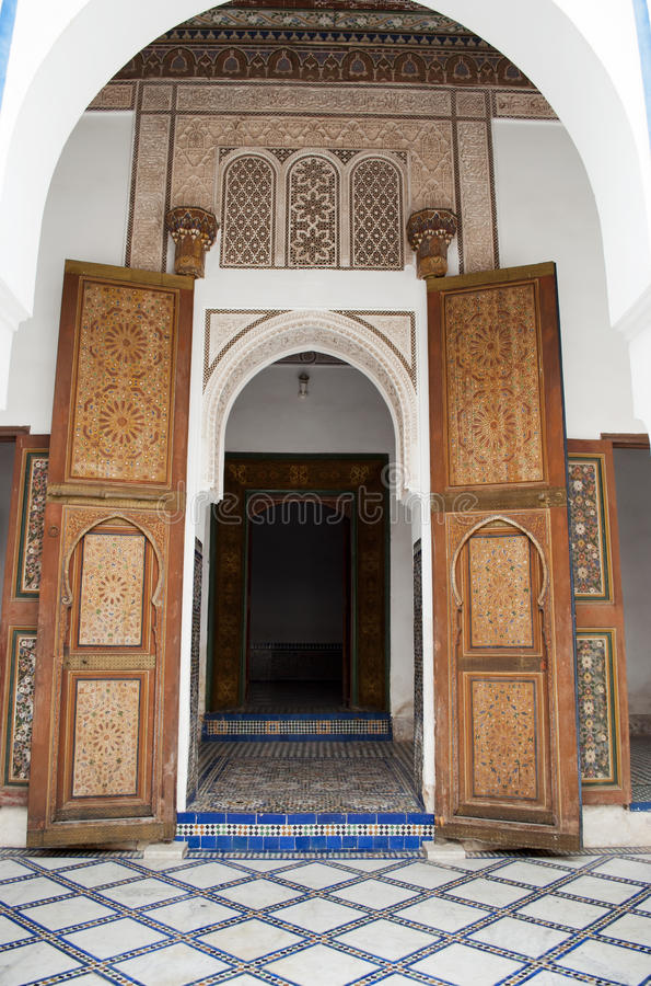 Łukowaty wejście Bahia pałac w Marrakech obraz royalty free