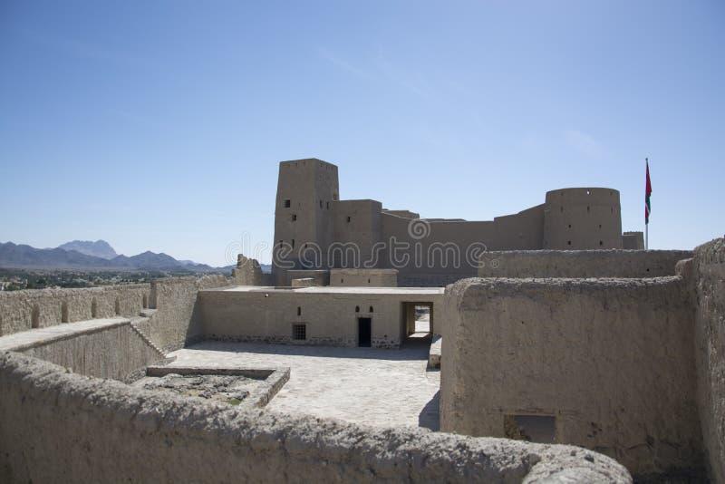 Bahlafort Oman met toren royalty-vrije stock afbeeldingen