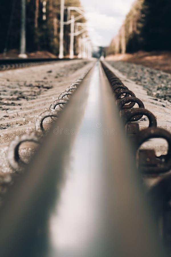 Bahnübergang Schienennahaufnahme haben Sie das Tonen der Horizont ist nicht einmal stockfotos